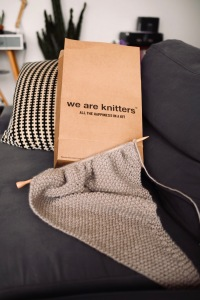 Apprendre à tricoter - Tricoter écharpe - Kit tricot - Tricot - Kit tricot we are knitters Hit the road jane